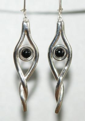 Zilveren oorhangers Onyx